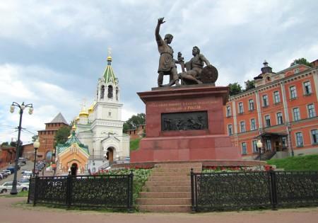 Памятник Минину и Пожарскому в Нижнем Новгороде. Фото А. Кузькина