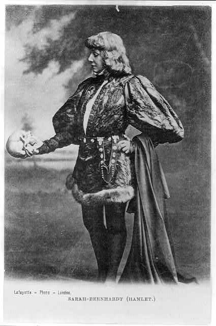 Сара Бернар в роли Гамлета фото с  ru.wikipedia.org